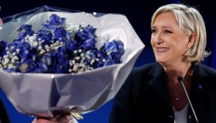hollande-urges-french-to-reject-le-pen-in-presidential-run-off-vote-7218
